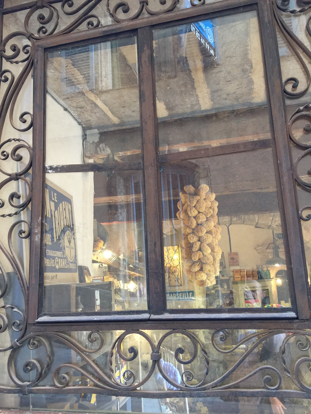 Marseille vitrine shopping
