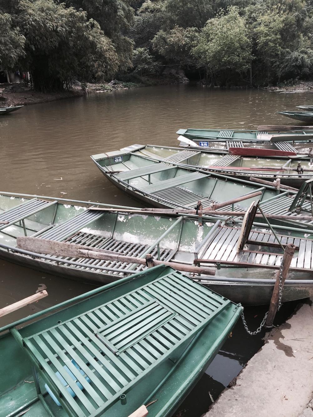 Baie d'Halong terrestre - barques